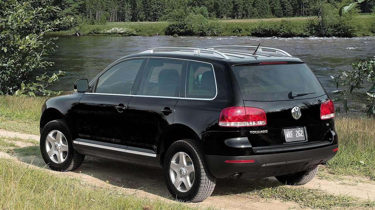 Задняя часть Volkswagen Touareg 1