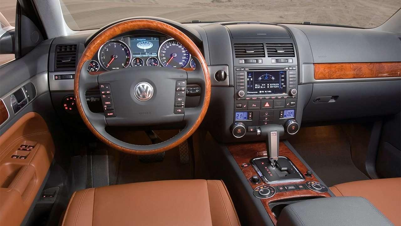 Фото салона Volkswagen Touareg GP