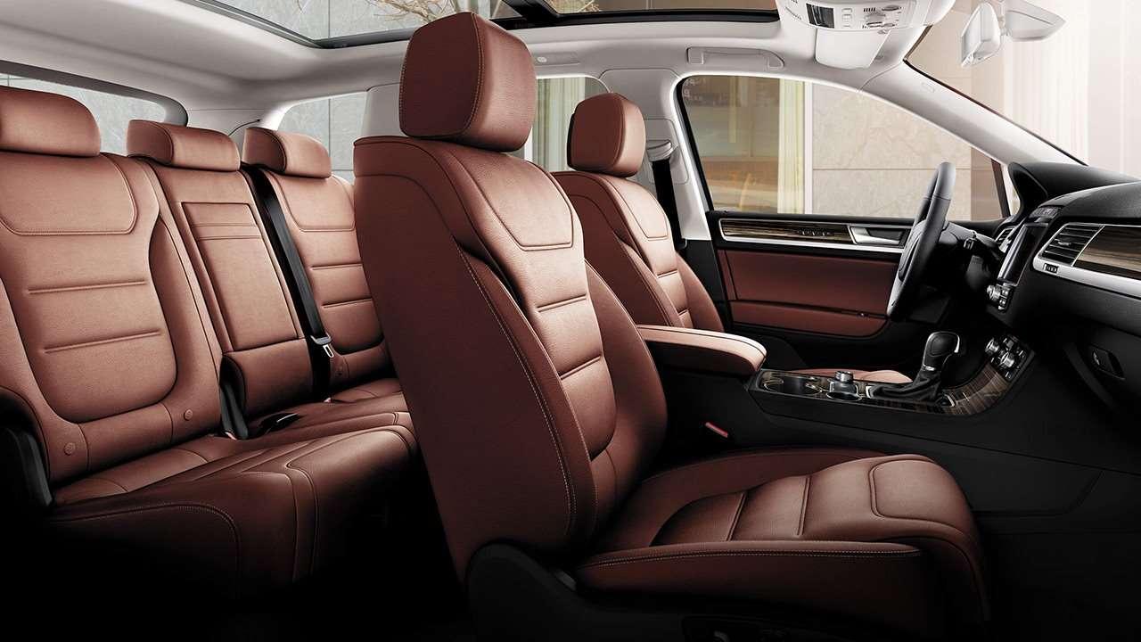 Volkswagen Touareg II (2014-2017) интерьер