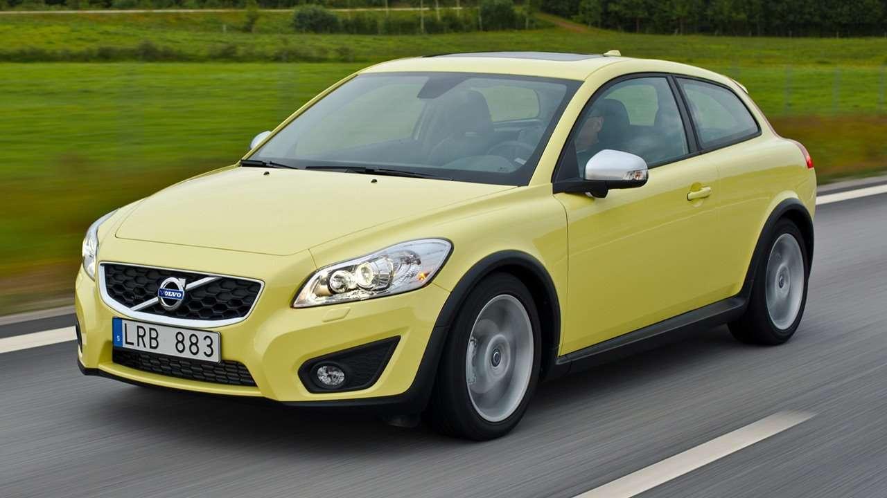 Volvo C30 (2010-2013) фото спереди