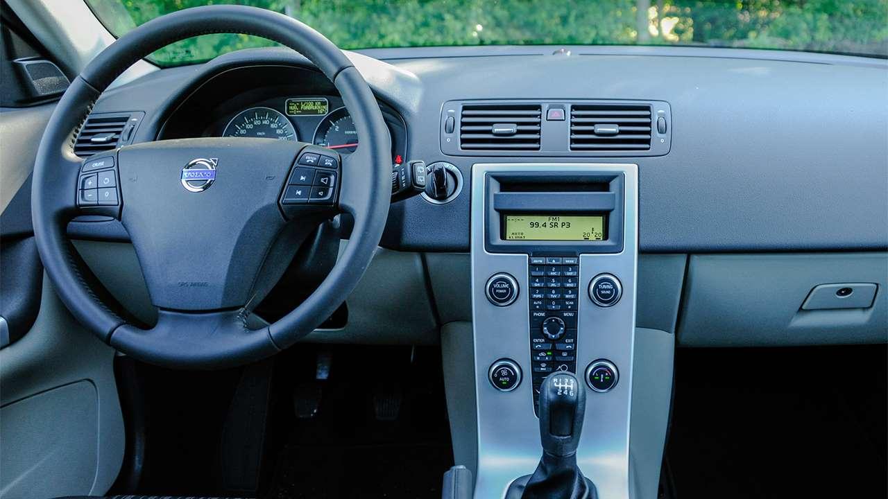 Volvo C30 (2010-2013) салон