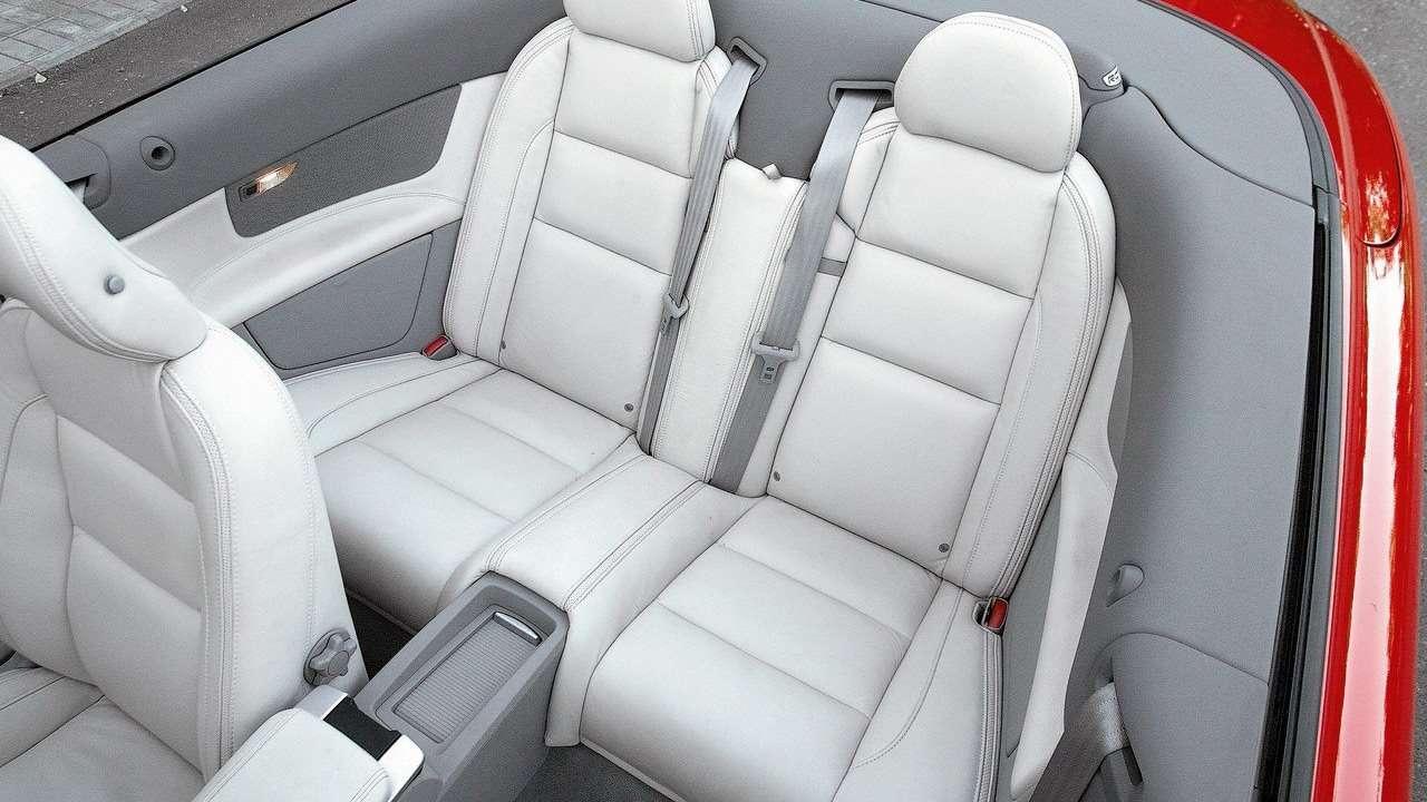 Volvo C70 задние сиденья