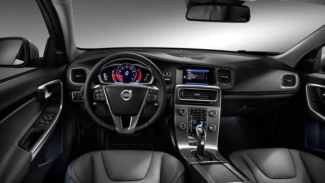 Volvo S60 (2013-2017) фото салона