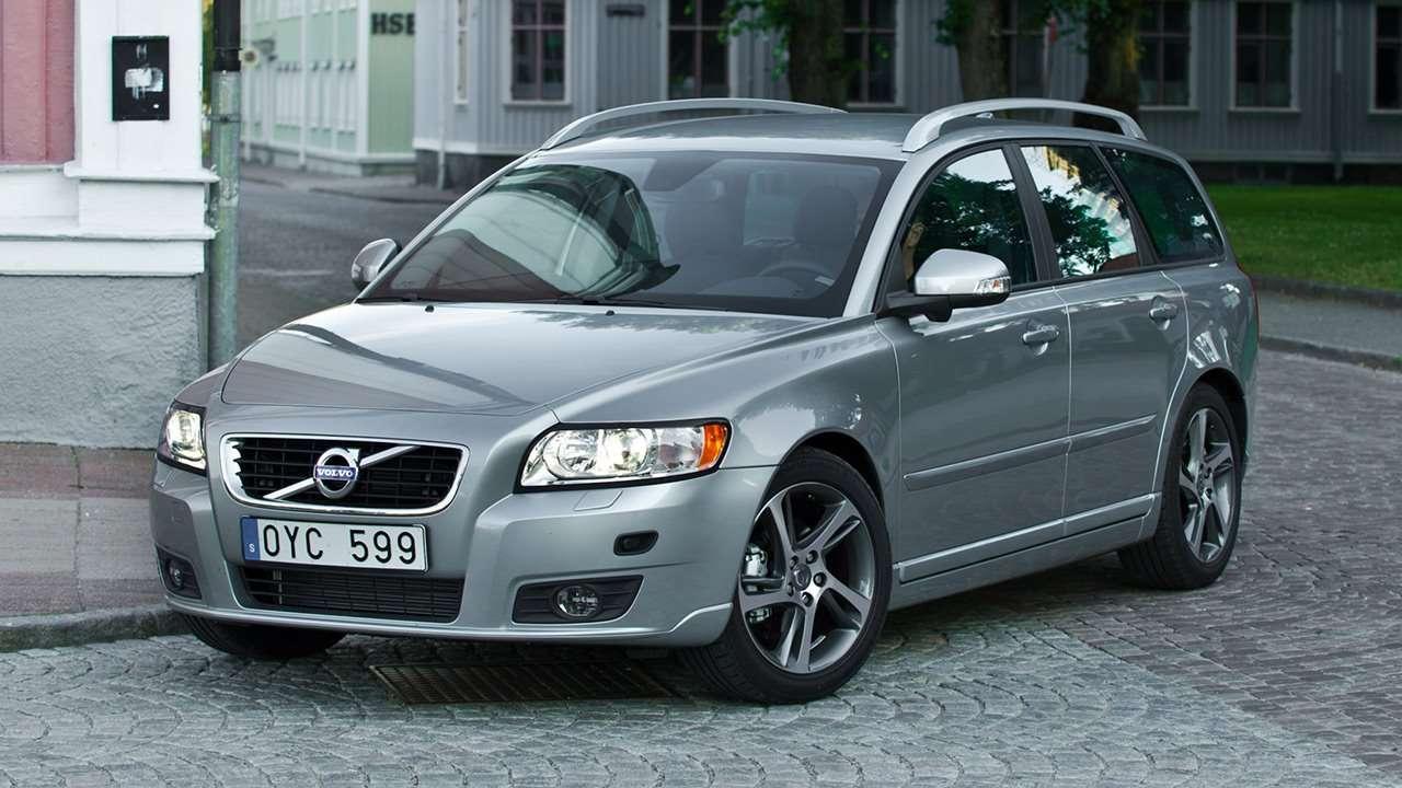 Volvo V50 (2008-2012) фото спереди