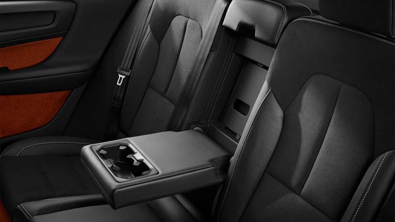 Задние кресла Volvo XC40 2020-2021