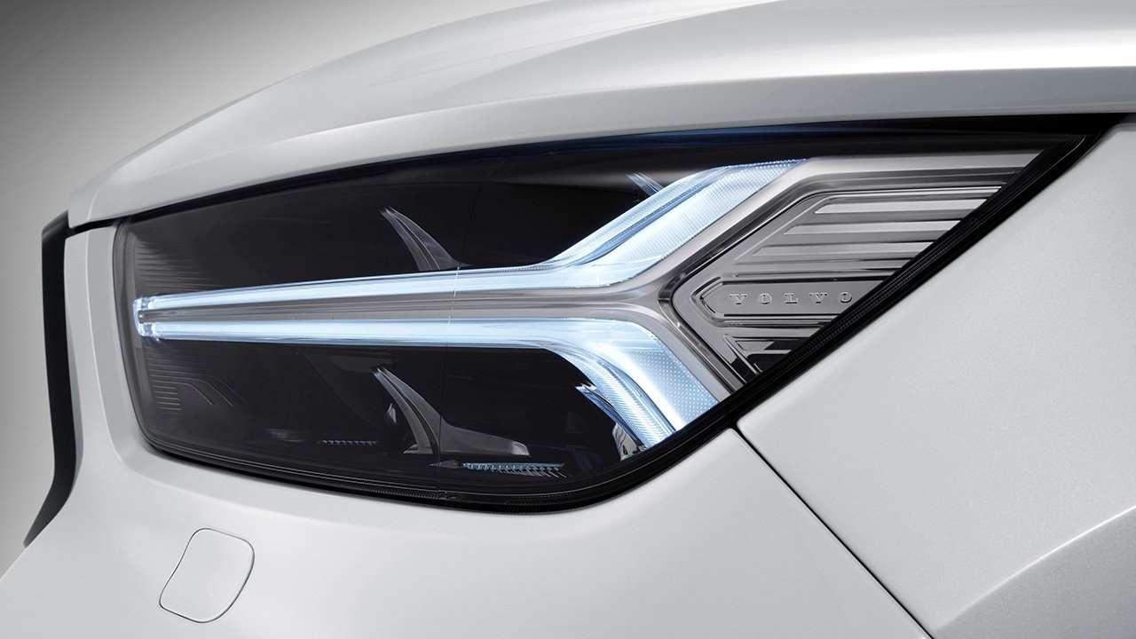 Передняя фара Volvo XC40 2020-2021