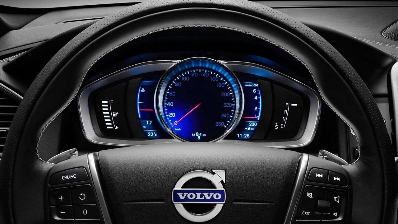Volvo XC60 2013-2017 приборная панель