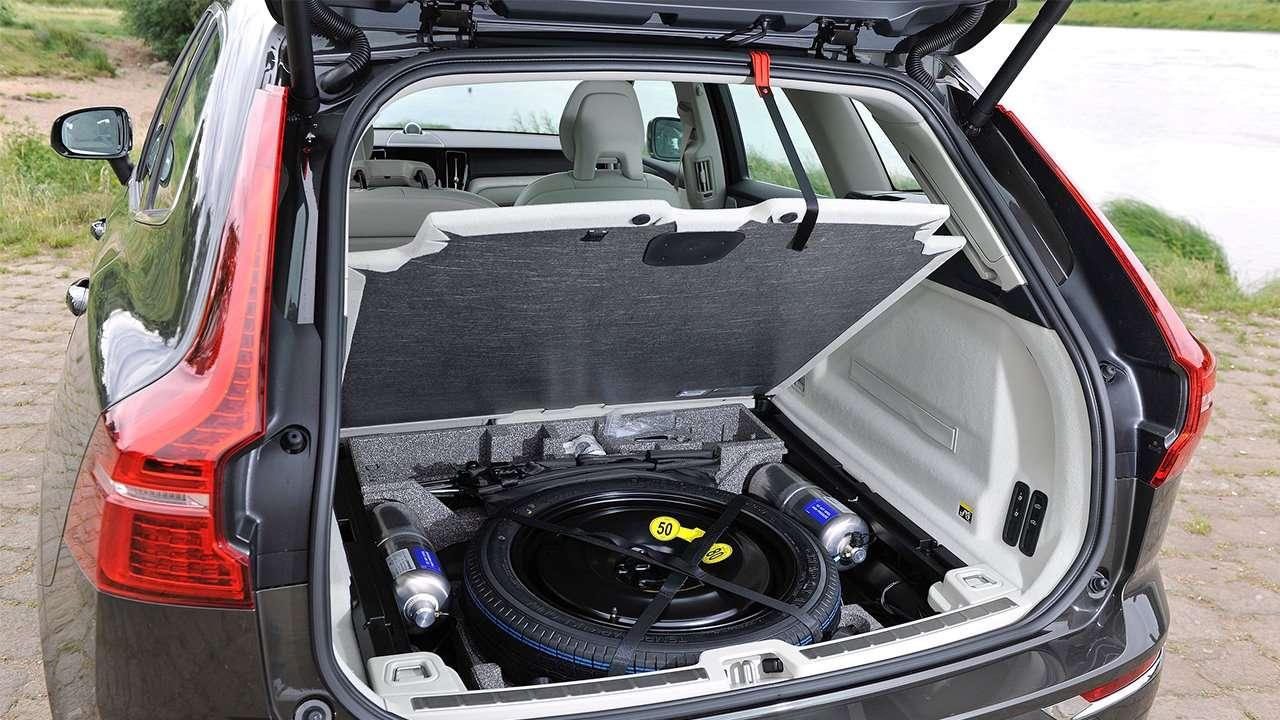 Багажник нового Вольво ХС60