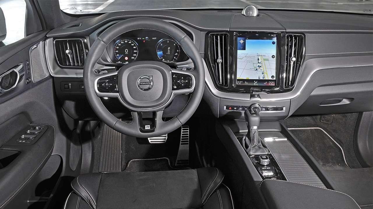 Фото салона Volvo XC60 2020-2021