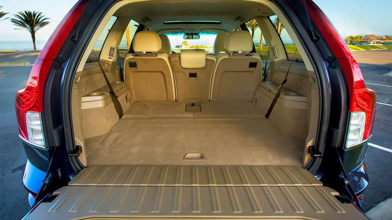 Фото багажника Volvo XC90 P28